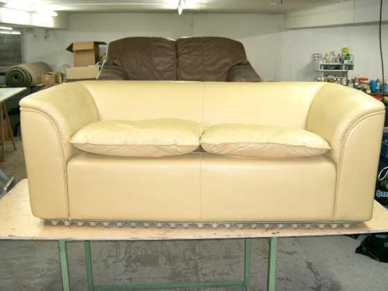 brandlöcher in couch reparieren